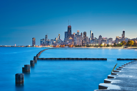 Photo of the blue hout time at the Fullerton Beach in Chicago