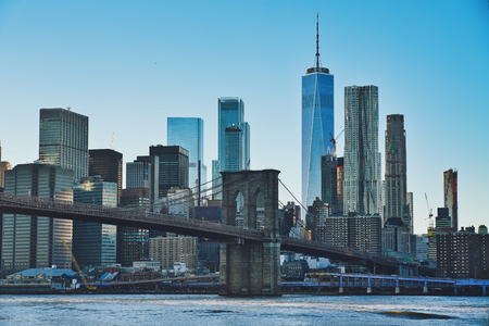 Photo of the Manhattan at the sunset time with the Brooklyn Bridge Stockfoto