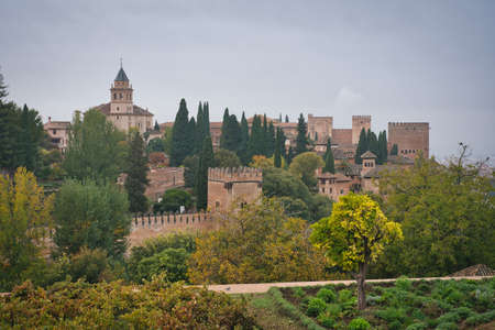 Panorama Photo of Alhambra in Granada in a cloudy day 에디토리얼