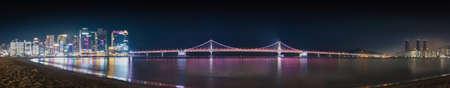 Photo of the Busan bridge in South Korea at night 스톡 콘텐츠