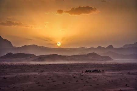 Photo of the sunset view fo the Wadi Rum desert in Jordan 스톡 콘텐츠