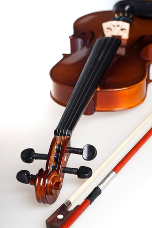 bout: Violin and bow