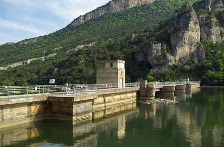 Ebro Embalse de Sobron Stock Photo - 3559018