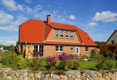 Haus  Standard-Bild - 5838515