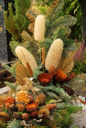 dead flowers: graveyard Stock Photo