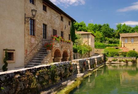 a bathing place: Bagno Vignoni 01