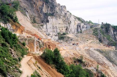 Carrara  marble stone pit  photo