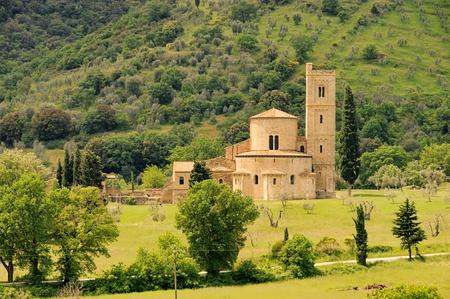 Sant Antimo 01 photo