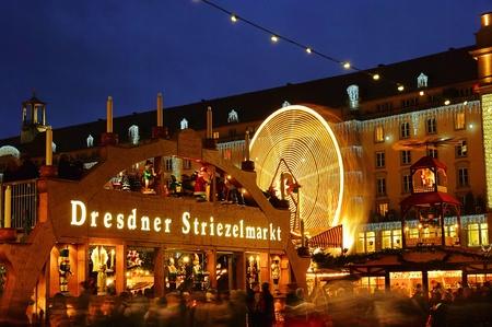 striezelmarkt: Dresden christmas market  17