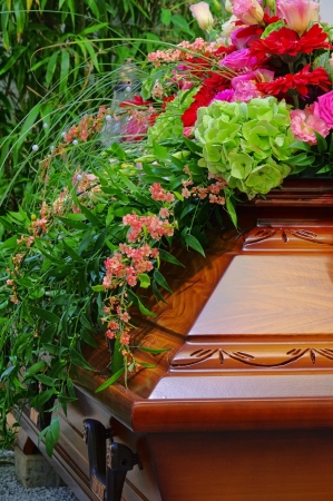 funeral: coffin