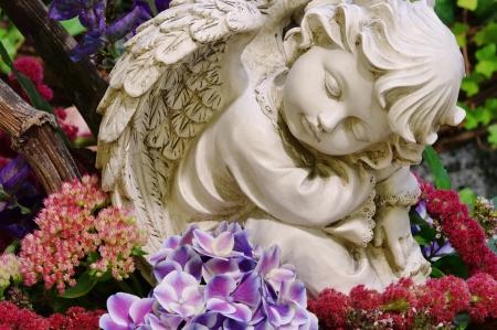 christian angel: �ngel en cementerio Foto de archivo