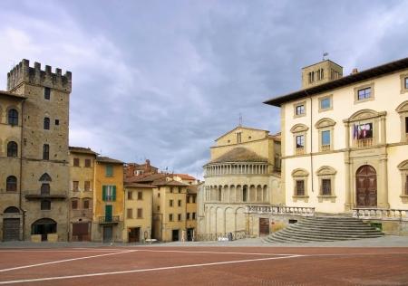 grande: Arezzo Piazza Grande 02