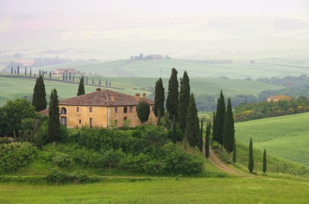 podere: Tuscany house in fog  Editorial