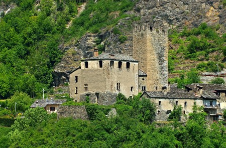 castello: Avise Castello Editorial