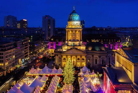 Berlin Weihnachtsmarkt Gendarmenmarkt Standard-Bild - 37571455