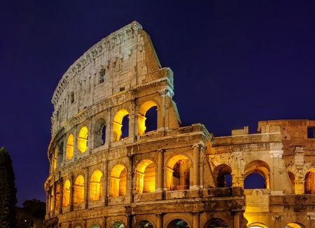 rom: Rom Colosseum by night
