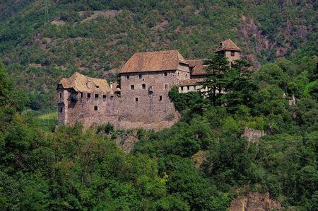mauer: castle Runkelstein