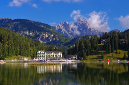 lake misurina: Lake Misurina in italian Dolomites