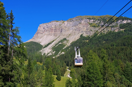ropeway: ropeway to the mountain Seceda, Dolomites