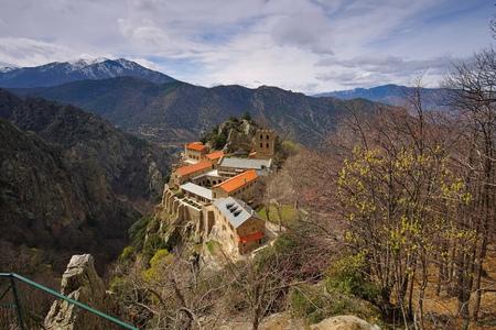 massif: Abbaye Saint-Martin du Canigou, Languedoc-Roussillon