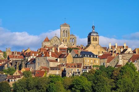 フランス、ヴェズレー、ブルゴーニュの町 写真素材