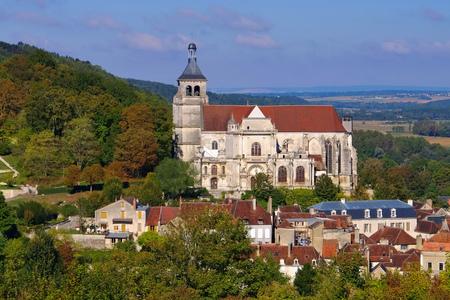 Église Saint Pierre Tonnerre en Bourgogne, France