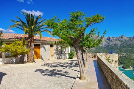 Guadalest, Village in rocky mountains, Costa Blanca in  Spain 免版税图像