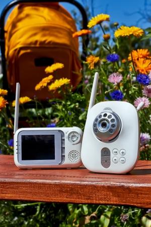 Digital-Baby-Monitor für die Sicherheit des Babys Standard-Bild - 21932430