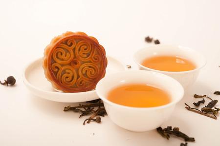 moon cake and Chinese tea