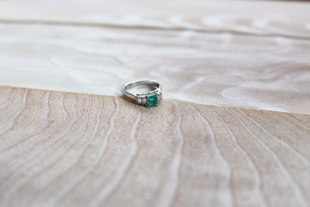 Platinum Ring with Emerald Retro style