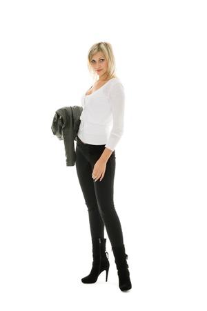 jeans apretados: Hermosa chica de jeans y chaqueta de cuero.
