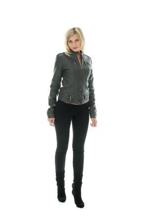 tight jeans: Belle fille de veste en cuir et des jeans.