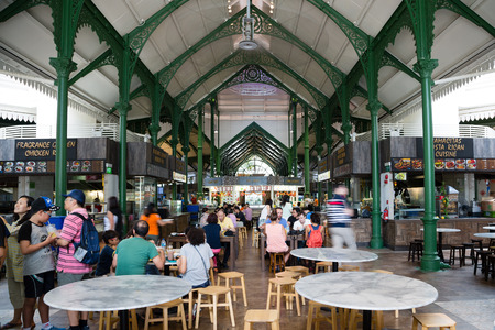 pa: SINGAPORE - CIRCA FEBRUARY, 2015: Lau Pa Sat Festival Market was formerly known as Telok Ayer Market - now it is a popular catering in Singapore. Is a national historic landmark of Singapore.
