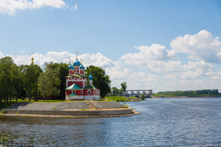 uglich russia: Orthodox Cathedral on the banks of the Volga River in the historic town of Uglich, Russia Stock Photo