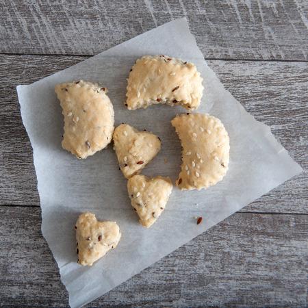 savoury: Fresh baked savoury scones on table, close up