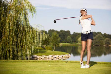 Golfspieler beim Abschlag