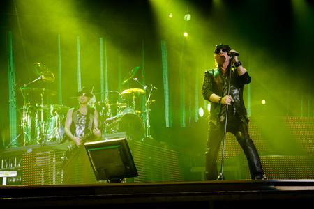 Chelyabinsk Russia - April 22, 2012: Concert of the German rock band Scorpions in the Palace of Sports Yunost 新聞圖片