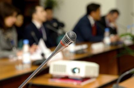 conference call: Microphone for the speaker in a conference to a hall