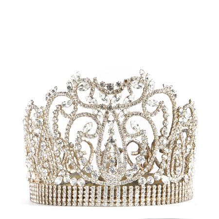 corona reina: corona o tiara aislado en un fondo blanco
