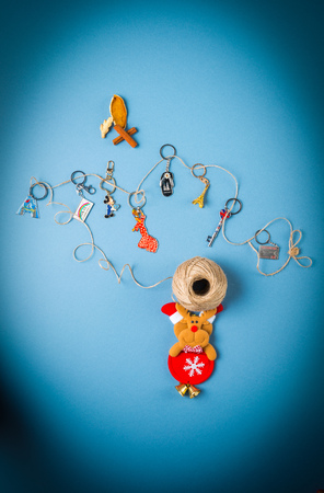souvenirs: Souvenirs keychains from different cities of the world