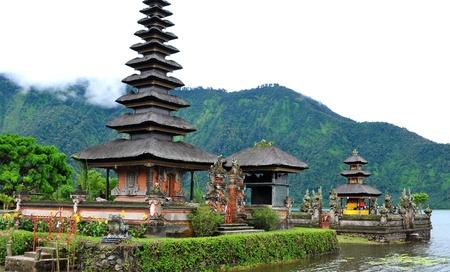 pura: Pura Ulun Danu Bratan, Bali Stock Photo
