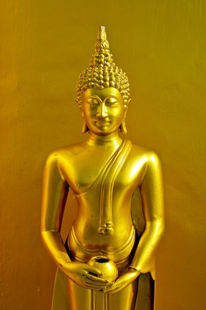 Statue buddha gold Stock Photo - 11120366