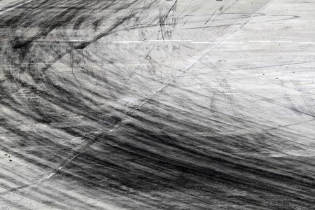 路面にタイヤ跡と背景 写真素材