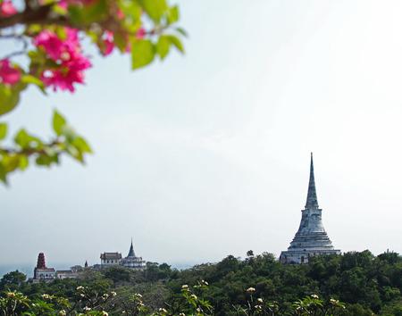 wang: Templo en la monta�a en Khao Wang, Tailandia