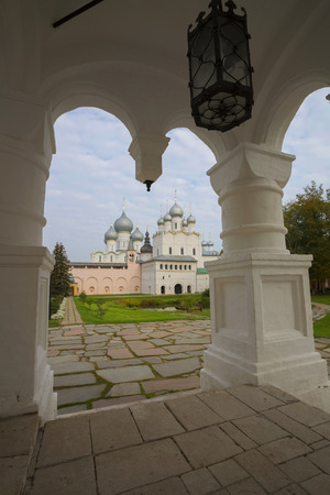 church Resurrection  Rostov  Great Russia look through  stone porch Reklamní fotografie - 33048903