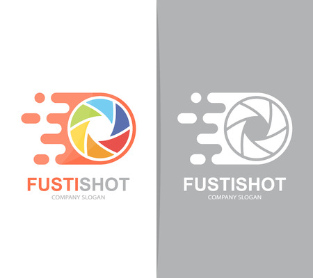 shutter speed: Vector fast camera shutter logo combination. Speed lens symbol or icon. Unique photo and focus logotype design template.