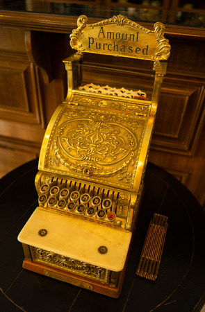 the very old antique calculator have made from brass and gold 스톡 콘텐츠