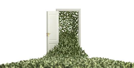 Geld zwevend door een deur Stockfoto