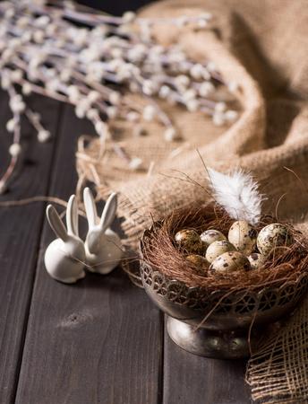 huevos de codorniz: Easter bunnies and quail eggs