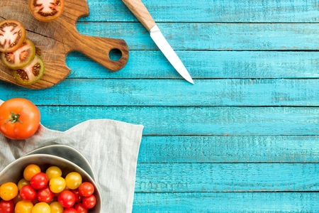 various fresh tomatoes Imagens